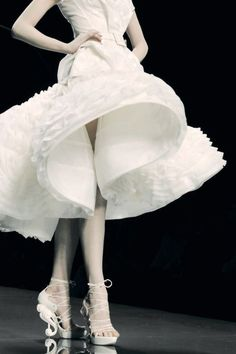 CHRISTIAN DIOR S/S 2009 COUTURE:: - ♥Follow Yvonne Wu on Socialbliss♥
