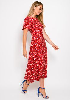 Short Sleeve Dresses, Dresses With Sleeves, Red Midi Dress, Fashion, Moda, Fashion Styles, Gowns With Sleeves, Fashion Illustrations, Fashion Models