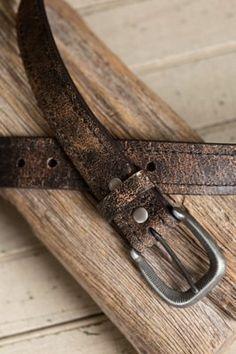 Overland Valencia Distressed Bison Leather Belt Givenchy Belt, Versace Belt, Wide Leather Belt, Men's Leather, Mens Belts Fashion, Bison, Belts For Women, Men's Accessories, Valencia