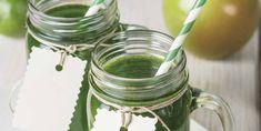 Batido verde Unplug y a descansar Smoothies, Mason Jars, Tableware, Vegan Recipes, Juices, So Tired, Green Smoothies, Vitamin E, Plants