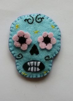 felt sugar skull | Sugar Skull felt embroidered brooch Day of the by ... | LITG series