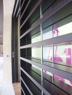 Detalle de Fachada. Clínica Dental. EnLazkao , guipúzcoa, Spain. Proyecto realizado por Javier Yrazu Bajo. Crokis Proyectos. +34629447373