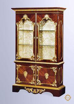 135-Vitrine de style Louis XIV « Reproduction Sormani »