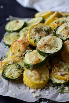 Garlic Parmesan Zucchini & Squash Crispy Parmesan Garlic Zucchini Chips you won't be able to stop popping these in your mouth! Veggies never tasted so good! Best way to use up extra zucchini! Parmesan Zucchini Chips, Garlic Parmesan, Zucchini Squash, Parmesan Squash, Baked Squash And Zucchini Recipes, Yellow Squash Recipes, Zucchini Noodles, Side Dish Recipes, Vegetable Recipes