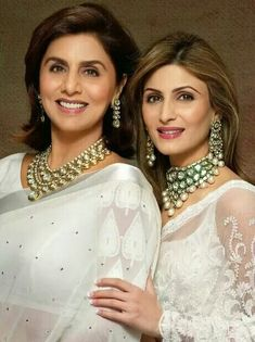Neetu Singh with daughter Riddhima. Riddhima looks like dad Rishi, but is close to her Mom. Indian Jewelry Sets, Indian Wedding Jewelry, Indian Bridal, Bridal Jewellery, Resin Jewellery, India Jewelry, Antique Jewellery, Gems Jewelry, Indian Celebrities