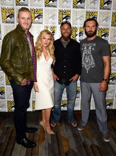 Katheryn Winnick, Travis Fimmel, Alexander Ludwig and Clive Standen at event of Vikings