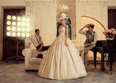 Fotógrafo realiza ensaio com vestidos de casamento no estilo vintage