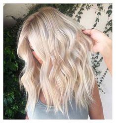 White Blonde Hair, Light Blonde Hair, Blonde Hair Looks, Ashy Hair, Blonde Hair Korean, Ash Blonde Ombre Hair, Light Hair, Brunette Hair, Easy Hairstyles For Medium Hair