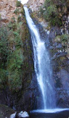 Los amantes del trekking que viven en Santiago lo tienen fácil para subir a cerros cercanos: Manquehue, La Cruz, Salto de Apoquindo, Pochoco, Alto Naranjo..