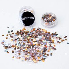 Earth tones and chunky gold flakes bring out the goddess in you! Wear this MoonDust anytime you want the elegance of Mother Earth to shine through you. Lunautics Moon Dust glitter was inspired by the Sparkle Makeup, Glitter Makeup, Beauty Tips Every Girl Should Know, Makeup Tips, Beauty Makeup, Festival Makeup Glitter, Rave Makeup, Get Glam, Runway Makeup