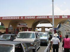 El Paso, Texas / Juarez, Mexico border by hanneorla, via Flickr