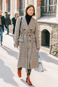 The 105 Best Street Style Pics From London Fashion Week Best Street Style, Street Style Trends, Street Style Looks, Street Style Women, Fashion Week, Look Fashion, Korean Fashion, Fashion Design, Fashion Trends