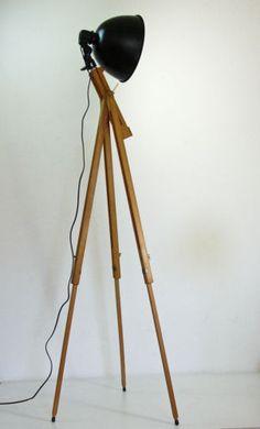 Stehlampe Schenwerfer Tripod Stativ Lampe Design Retro Vintage 70 er Stil in Antiquitäten & Kunst, Mobiliar & Interieur, Lampen & Leuchten, Gefertigt nach 1945, Stehlampen | eBay