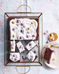 Chetna Makan's chocolate and marshmallow mini egg traybake is the perfect cake to celebrate withover the long Easter weekend. Easter Cake Easy, Easter Treats, Chocolate Traybake, Tray Bake Recipes, Kid Desserts, Fancy Desserts, Dessert Recipes, Mini Eggs, Delicious Magazine