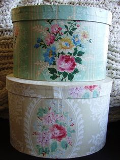 IDEA----Vintage hatboxes