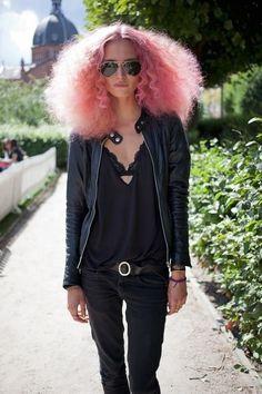 pastel pink voluminous hair /  curly / big