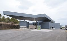 2006 -2011 Algimia de Alfara (Valencia) Urban Waste Treatment Plant. http://www.juanmarco.net/arquitecto/p_algimia_2.html http://www.plataformaarquitectura.cl/2012/12/06/valorizacion-y-eliminacion-r-s-u-en-algimia-juan-marco/ http://xi.bienalarquitectura.es/es/proyectos/instalacion-de-valorizacion-y-eliminacion-de-rsu-en-algimia-de-alfara-valencia http://vacarquitectura.es/instalacion-de-valoracion-y-eliminacion-r-s-u/