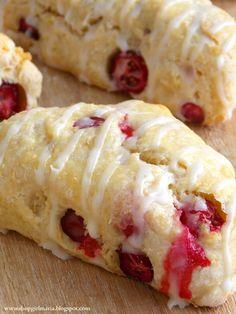 Shopgirl: Fresh Cranberry Mini Scones   Cute for Christmas morning