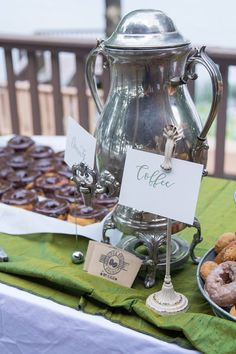We served coffee before the wedding since it was early #morningwedding…