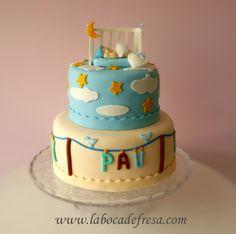 La Boca de Fresa: En Castellon, tartas decoradas en fondant, galletas temáticas, cupcakes...: Tarta de bautizo dulces sueños