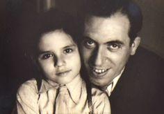 Agustí Centelles y su hijo Sergi en Reus, 1945 #Fotografía Agustí Centelles Ossó Vía centellesosso.blogspot.com