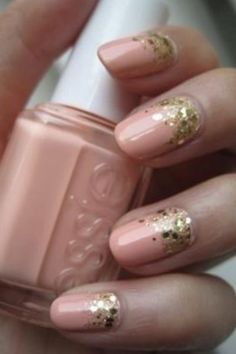 Nude and golden nails. Beatiful and delicate combination!