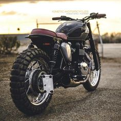 """""""Scramblers & Trackers   @scramblerstrackers   Some more shots of the outstanding Triumph Bonneville T100 by @mike_le007 of @kinetic_motorcycles…"""""""