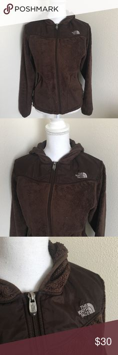North Face Fleece Jacket ✨ Brown North Face hooded jacket - Super soft fleece - Very warm ✨ The North Face Sweaters