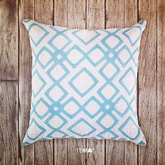 It's the day before Friday and around here that means #ThrowPillowThursday! Every week we pay homage to the underrated, incredibly versatile accent cushion. We're particularly partial to this plush pillow's pastel pattern. #TPT