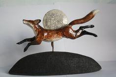 Pottery Animals, Ceramic Animals, Ceramic Figures, Ceramic Art, Animal Sculptures, Sculpture Art, Fox Running, Cute Animal Memes, Fox Art