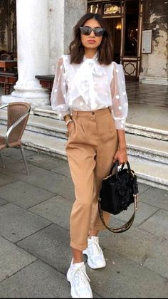 20 Amazing Spring Outfits Ideas for Women 2020 Spring Outfits Amazing Ideas Outfits Spring Women Unique Outfits, Trendy Outfits, Fashion Outfits, Fashion Trends, Fashion Ideas, Amazing Outfits, Spring Outfits Women, Business Casual Outfits, Fashion 2020