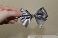 How to make the perfect bow with ribbon
