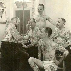 Herbert Hoffman, tattoo Peter, Theodor Vetter, Jacob Acker. Copenhagen mid 1960s : OldSchoolCool Tatuagem Old School, Historical Pictures, Angel Tattoo Men, Lower Back Tattoos, Big Tattoo, Arm Band Tattoo, Tattoo Images, Picture Tattoos, Tattoo Drawings