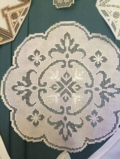 Hardanger Embroidery, Bargello, Knots, Needlework, Usb, Straight Stitch, Yellow, Farmhouse Rugs, Table Toppers