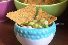tortilhas de milho sem glúten e vegana crocante,perfeita para servir de entradinha com algumas pastinhas ou fazer aquele jantar mexicano!