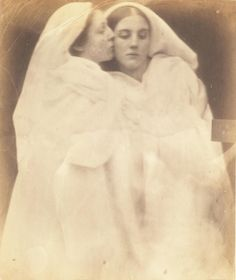 Photograph from collection of albumen prints by Julia Margaret Cameron (© Bodleian Libraries, University of Oxford) Julia Margaret Cameron Photography, Marianne North, Photography Tips, Portrait Photography, Temptation Of St Anthony, Philippe Halsman, Bloomsbury Group, Famous Photographers, Drawing Reference