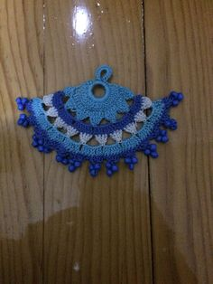 Crochet Borders This Pin was discovered by Gül Crochet Trim, Bead Crochet, Crochet Motif, Crochet Designs, Crochet Flowers, Crochet Patterns, Crochet Scarves, Crochet Hats, Crochet Beaded Necklace