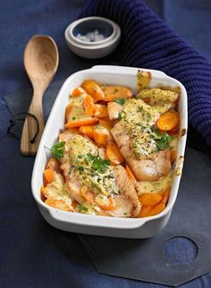 Rotbarsch-Filet mit Möhren und Senfcreme Redfish fillet with carrots and mustard cream, a great reci Salmon Recipes, Fish Recipes, Lunch Recipes, Seafood Recipes, Beef Recipes, Chicken Recipes, Cooking Recipes, No Calorie Foods, Low Calorie Recipes