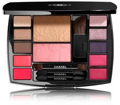 awesome Chanel Harmonie de Camélias Travel Makeup Palette 2018 – Beauty Trends and Latest Makeup Collections CONTINUE READING Shared by: marucamarillo Elf Makeup, Mini Makeup, Makeup Tools, Cute Makeup, Makeup Geek, Make Up Palette, Ysl Beauty, Beauty Makeup, Givenchy Beauty