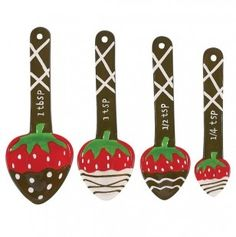WANT!  Although I have four different sets of measuring spoons, I don't have these!!!  :)