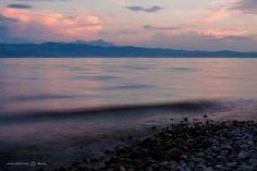 Het Bodenmeer (Bodensee, Duitsland) bij zonsondergang by Jacintha Bol