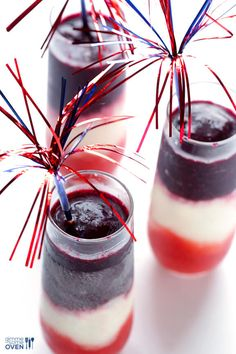 Red White and Blue(berry) Margaritas -- easy to make, and perfect for Memorial Day or the 4th of July! | gimmesomeoven.com #drink #recipe