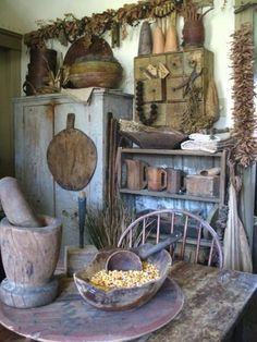 14 best furniture images primitive decor antiquities primitive homes rh pinterest com