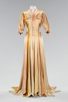 Charles James Dressing Gown, Met Museum, 1944