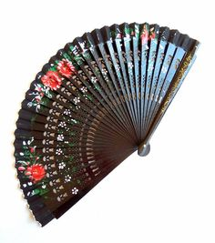 Vintage Spanish white lace fan hand painted black pink blue Plastic frame gilded gold flower metallic folded bridal wedding accessory floral
