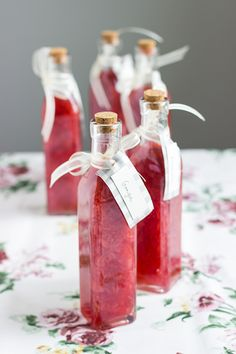 Here is the recipe for another wedding favor, sweet and fruity strawberry liqueur made from local (strong) spirit.