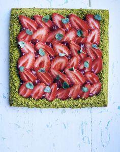Trois façons de sublimer la fraise Asparagus, Vegetables, Food, Lime Juice, Strawberry Pie, Pistachio, Kitchens, Meal, Essen