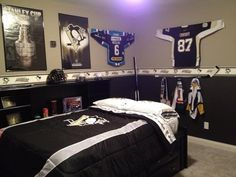 collection of hockey items to make a fun boy's hockey room!