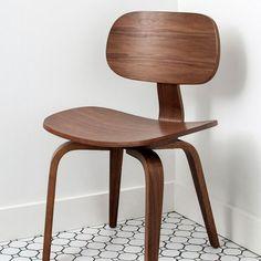 Gus* Thompson Chair SE - armchairmuse.com - 1