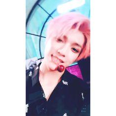 GIPHY Taeyong